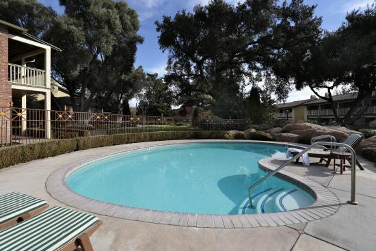 Paso Robles Inn: Heated Pool & Spa