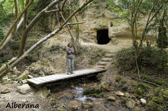 Trespaderne, Spania: Eremitorio Cueva de los Portugueses. (Agosto-2015)