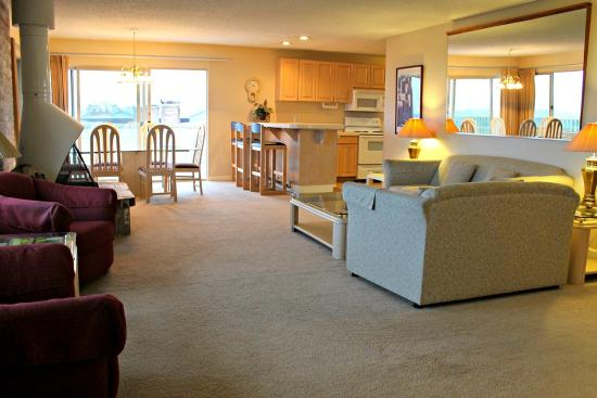 Ocean Shores, WA: Living Room - Penthouse