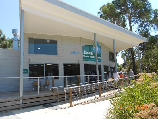 Cowes, Australia: Вход в центр