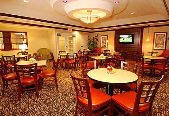 Lady Lake, FL: Breakfast Area