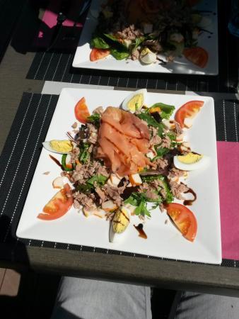 Bernin, Francja: Salade du jour à 10€