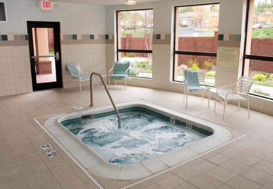 Blacksburg, VA: Indoor Whirlpool