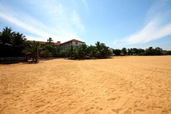 Photo of Topaz Beach Hotel Negombo