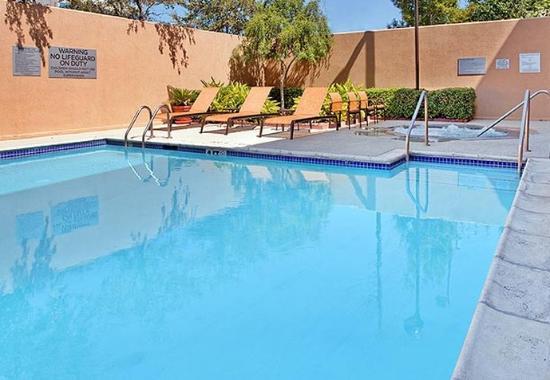 Stafford, TX: Outdoor Pool