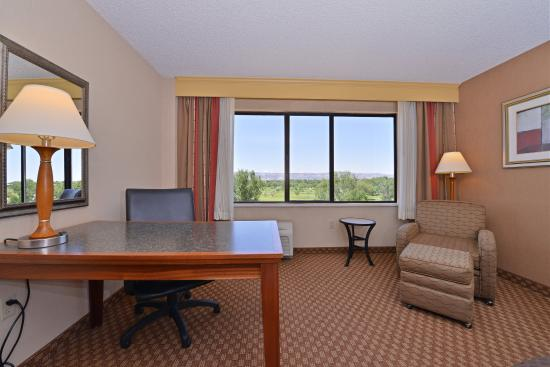 Grand Junction, Κολοράντο: Guest Room Desk and Seating Area