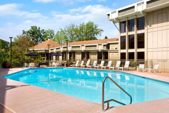Photo of BEST WESTERN Yadkin Valley Inn & Suites Jonesville