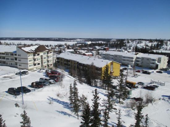 Coast Fraser Tower: Great Slave lake from the balcony
