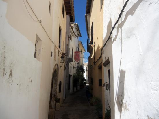 Requena, Spanyol: CALLE ALLEGADA AL MUSEO