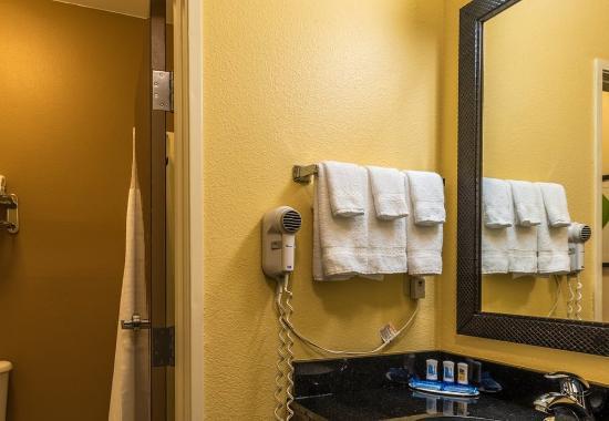 Saint Robert, MO: Guest Bathroom Vanity