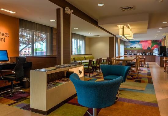 Saint Robert, MO: Business Center