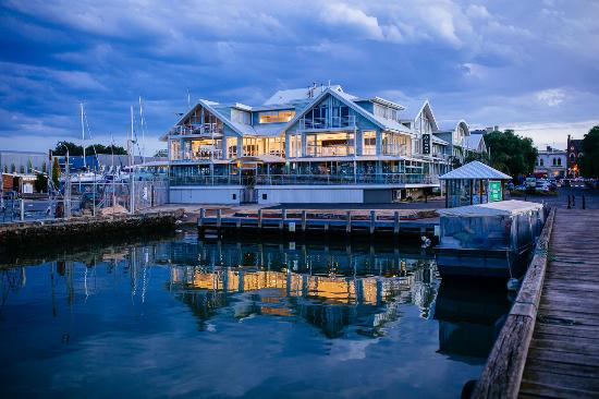 Where to Eat in Williamstown: The Best Restaurants and Bars