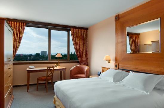 Hilton Strasbourg: King Deluxe Room