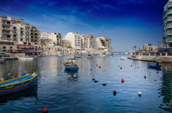 Marina Hotel Corinthia Beach Resort: Adjoining Bay near Hotel