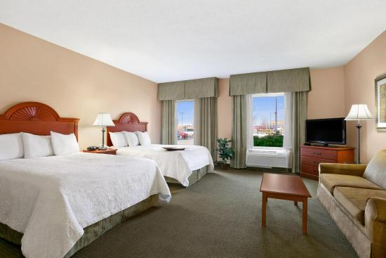 Hampton Inn Heath-Newark: Two Queens with Sofabed