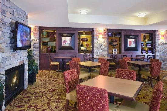 Hampton Inn Reading/Wyomissing: Lobby Sitting Area