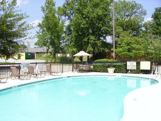 West Columbia, SC: Swimming Pool