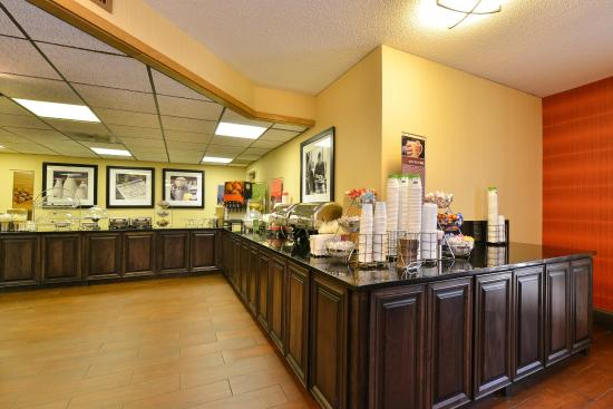 Marietta, GA: Breakfast Bar Area