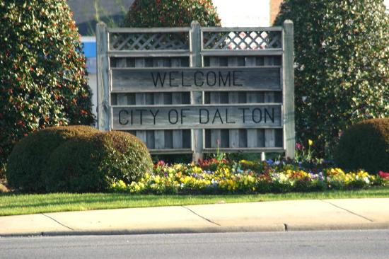 Hampton Inn Dalton: Dalton Welcome Sign