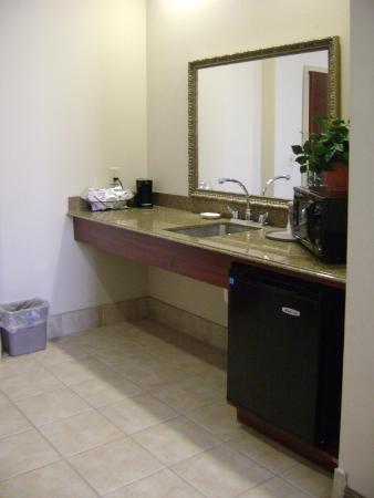 Fort Stockton, TX: Studio Suite Wetbar