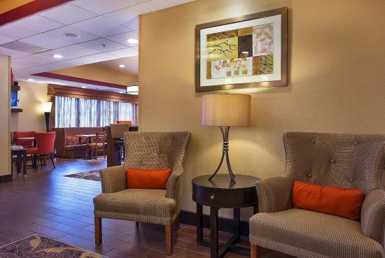 Dry Ridge, KY: Hotel Lobby
