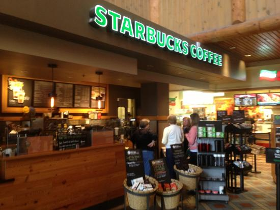Clifton Springs, NY: Starbucks in Plaza - front of store