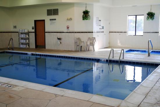 Ottawa, IL: Pool & Hot Tub