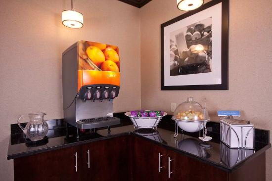 West Seneca, Nova York: Breakfast Bar