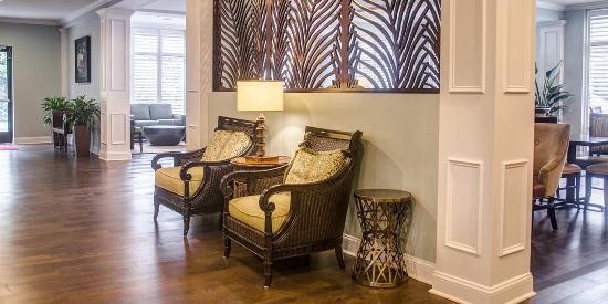 Hampton Inn Charleston - Daniel Island: Comfortable Seating Area