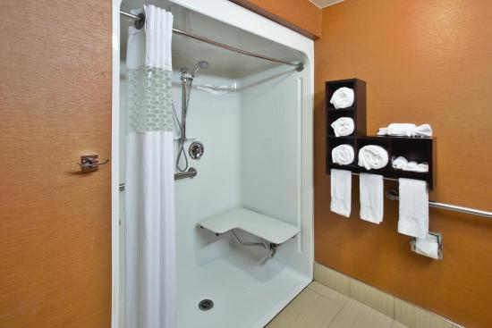 Hebron, Kentucky: Roll-in shower