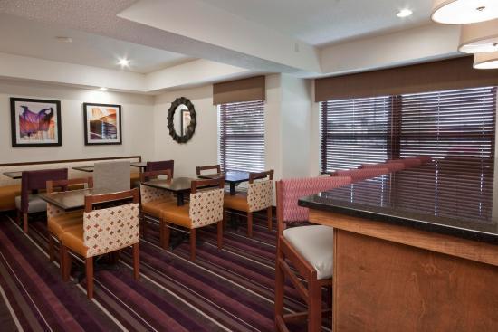 Hampton Inn Decatur / Forsyth: Lobby Area