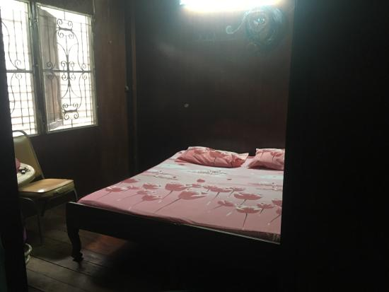 New Central Guest House: photo0.jpg