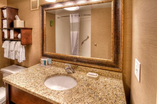 Jonesville, Karolina Północna: Bathroom