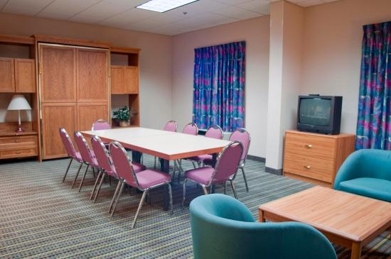 Hampton Inn Brooksville / Dade City: Hospitality Suite