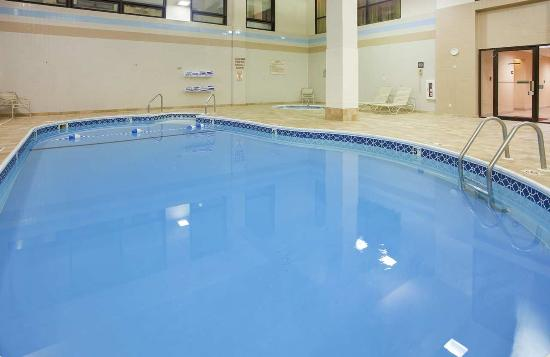 Hampton Inn Branson on the Strip : Indoor Pool