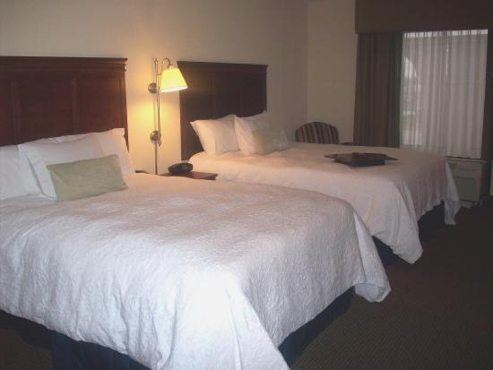 Fairburn, GA: Double Queen Beds