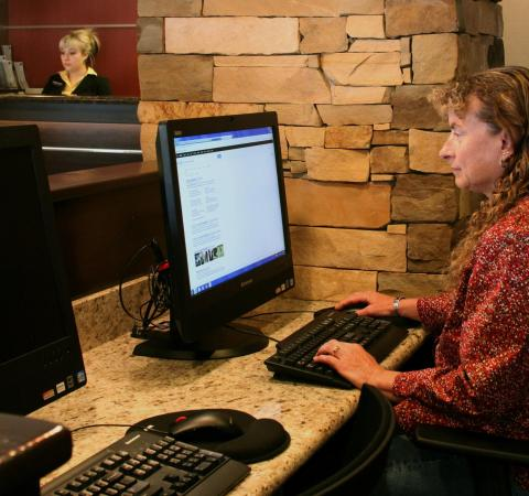 Hampton Inn Durango: Business Center