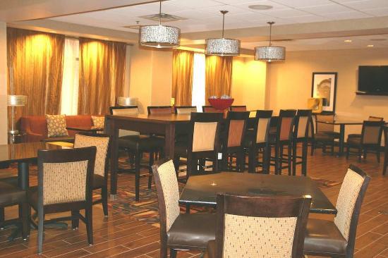Ричфилд, Огайо: Lobby Seating