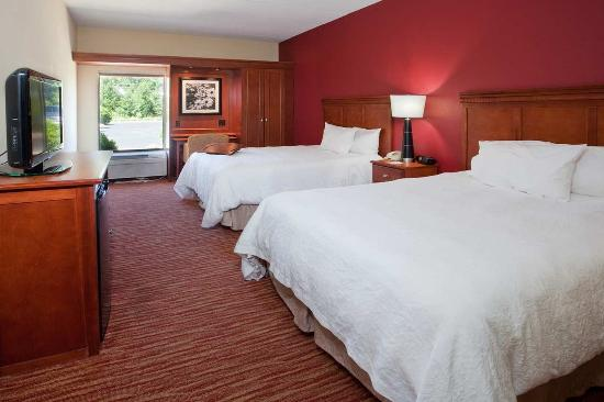 Pickerington, OH: Two Queen Room