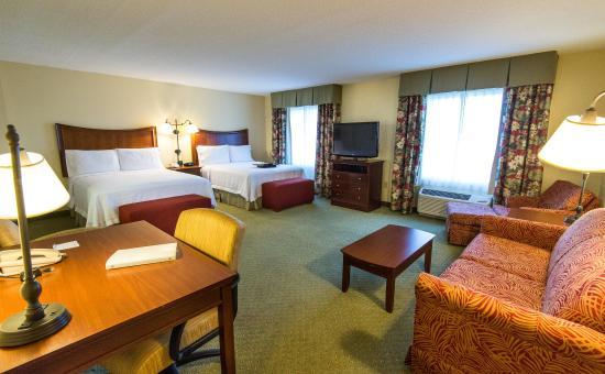 Hampton Inn & Suites Fort Myers - Colonial Blvd: Suite Guest Room