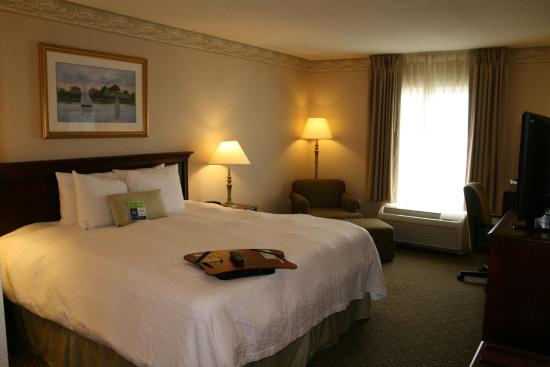 Hampton Inn & Suites Newport/Middletown