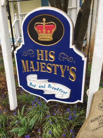 His Majesty's Bed & Breakfast: An amazing little B&B in the heart of Ohio's wine country!
