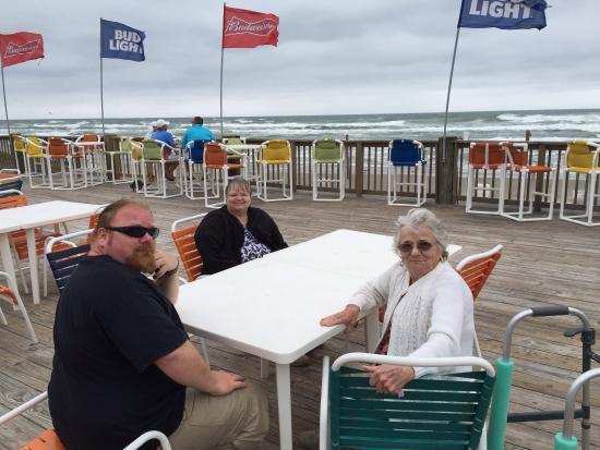 Clayton's Beach Bar and Grill: photo0.jpg