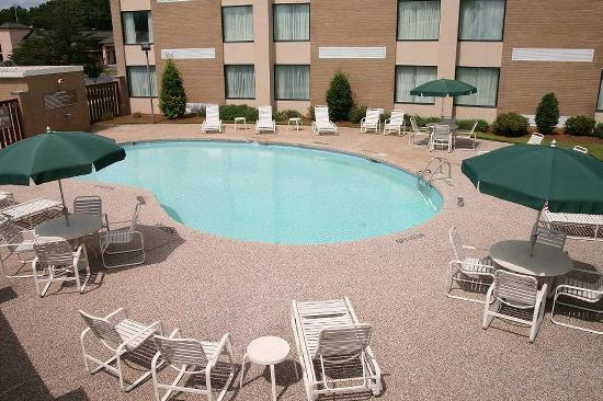 Hampton Inn Kinston : Pool
