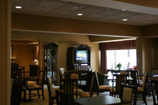 Hampton Inn Lagrange near Callaway Gardens: Breakfast Dining Area