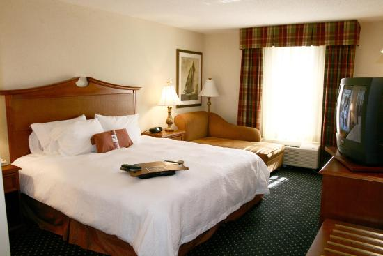 Hampton Inn Easton: King Accessible Room