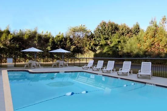 Madison, GA: Pool