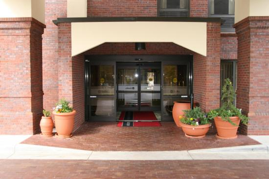 Hampton Inn Greenville : Hotel Entrance