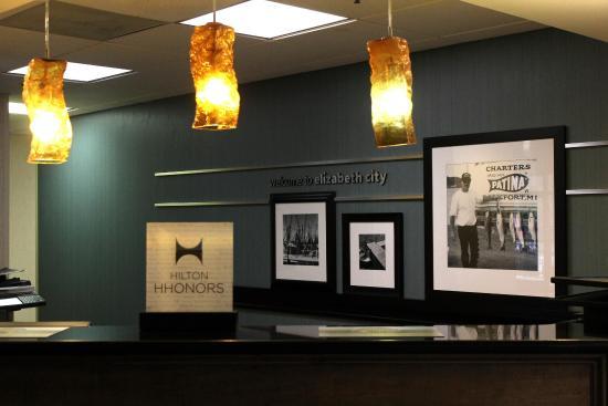 Hampton Inn Elizabeth City: Lobby 2