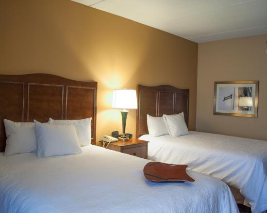 Carlisle, Pensilvania: Two Queen Guest Room